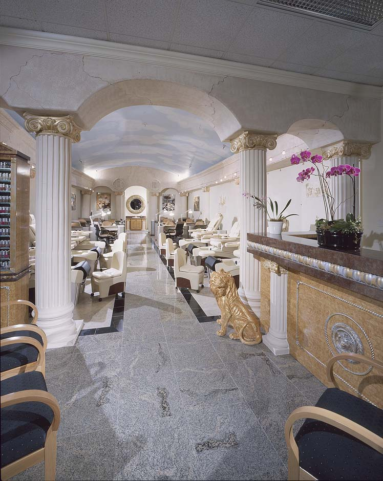 Nail salon in California Laguna Niguel
